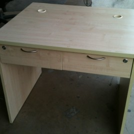 Table c/w 2 drawers